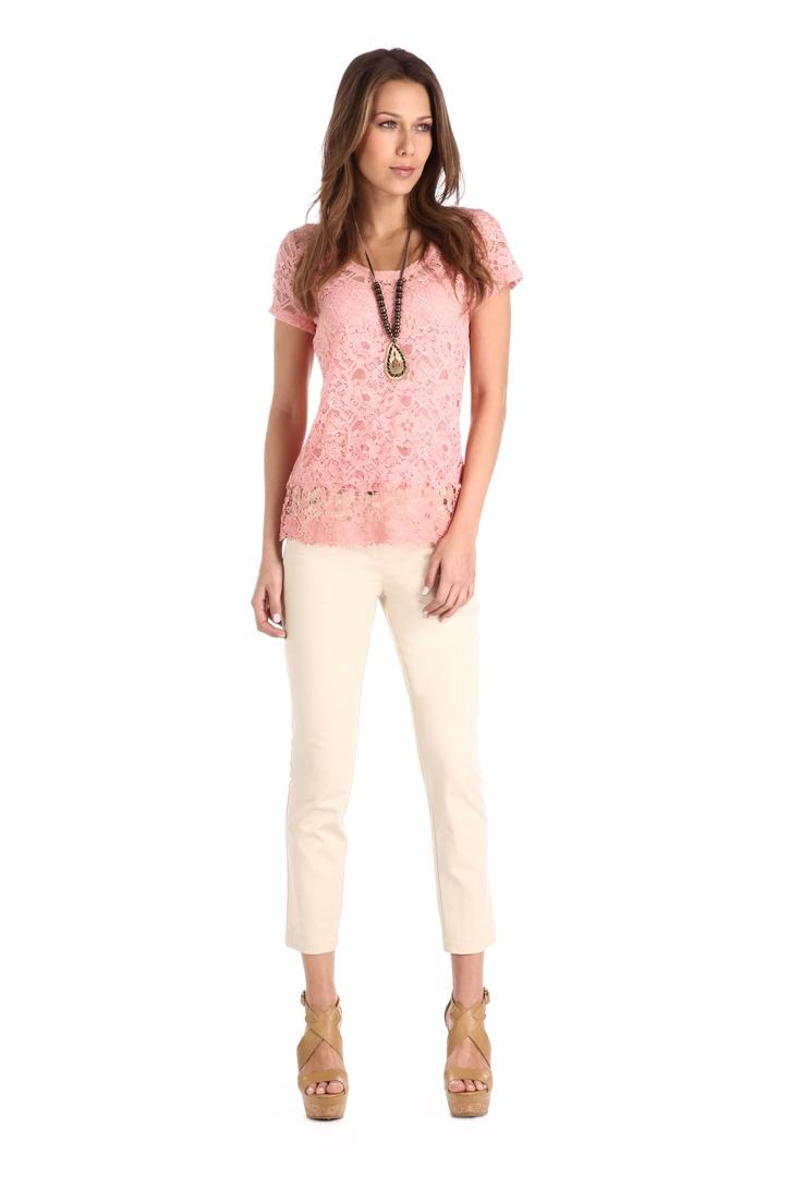 Blusa de encaje rosa