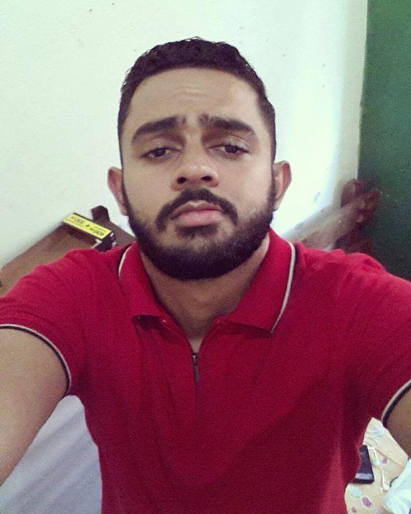 #BomDia! Tá friozinho... Tá gostoso... #Frio #cool #beard #beardlove #bearded #glasses #barba #barbudosdobrasil #barbudo #estilo #homemcombarba #top #MenStyle #love #me #handsome #macho #men #barbudos #bsb #brazil #guys #brazilian #imbearded #homem #top #followme #instagood by chico.calaca http://ift.tt/1TRA5TP
