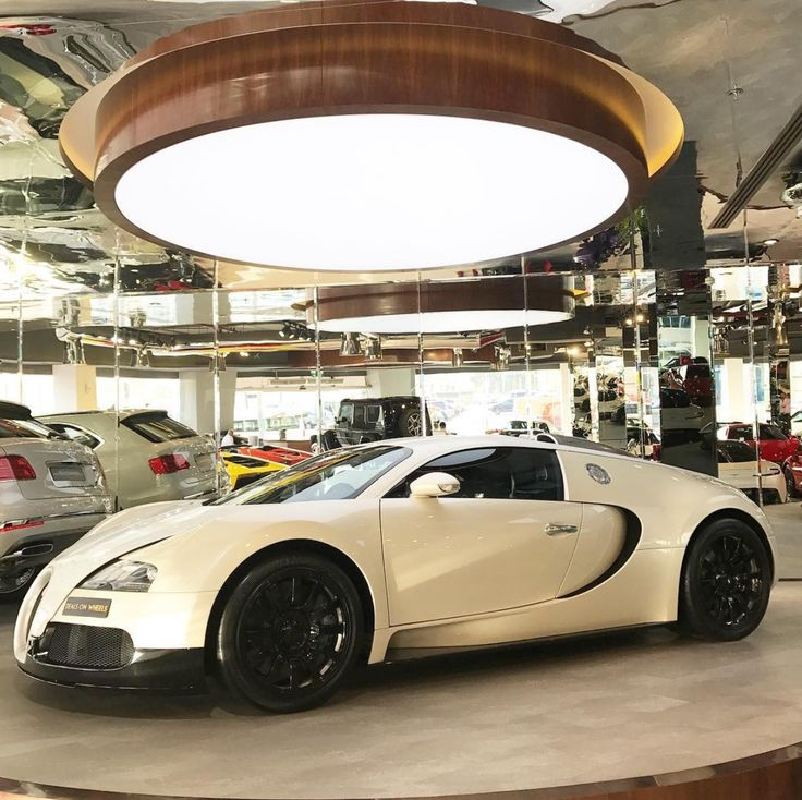2009 Bugatti Veyron for sale at Deals on Wheels for AED 4 mln. September 2017