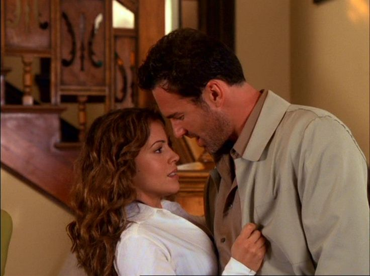 """Phoebe Halliwell & Cole Turner in """"Charmed"""""""