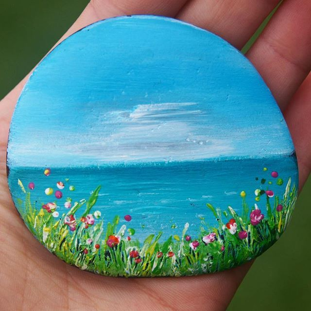 @craigizzy :) #rockpainting #bluesky #summer #nature #ocean #beach #explore #water #flowers #grass #Australia #holiday #travel #tinyart
