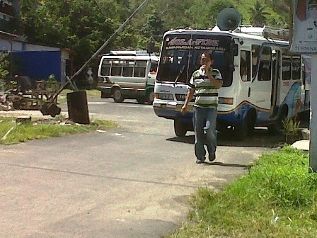 Berita Minsel - Marak Taxi Gelap, Angkot Amurang-Manado Demo Dekab