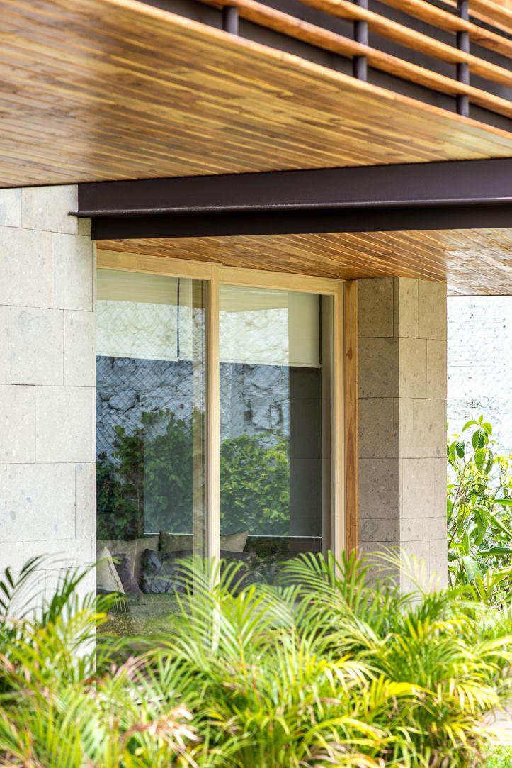 Ventana de madera corrediza de dos hojas, #ventana #ventanademadera #madera #multivi #puertademadera #puerta #cancel #hechoenmexico