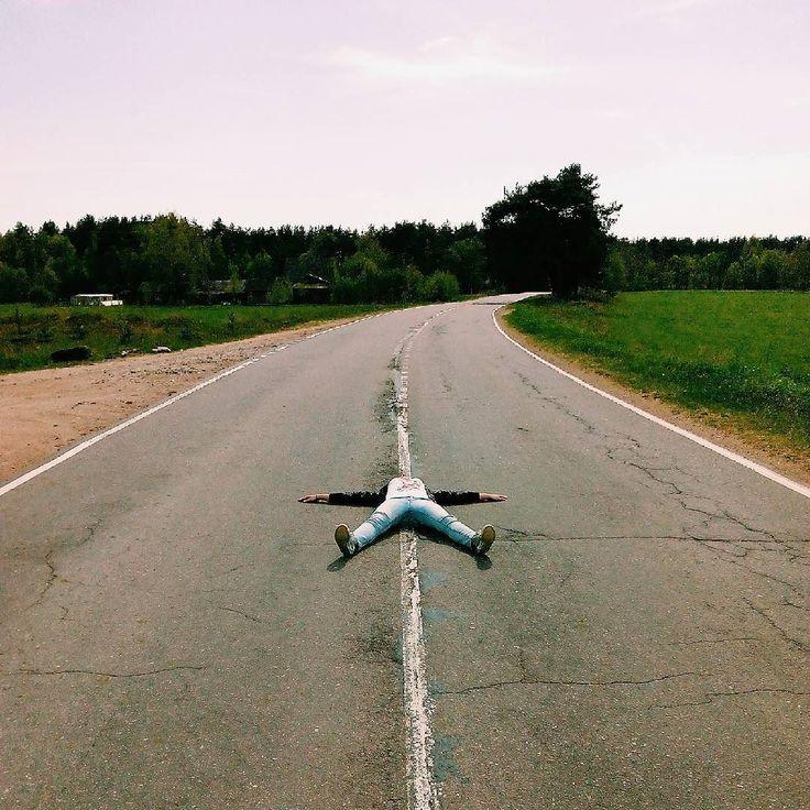 Звезда дорог Фото хоть и было сделано раньшено после двухдневного велозаезда именно в таком положении я и прибывала :D За такую тренировочку ног хочу поблагодарить (это значит - Благо Дарить) @djbiggenius и спасибо за твою лёгкость на подъём и веселуюпозитивную поездку Впереди целое лето-сезон наслаждения жизнью и новых открытий…