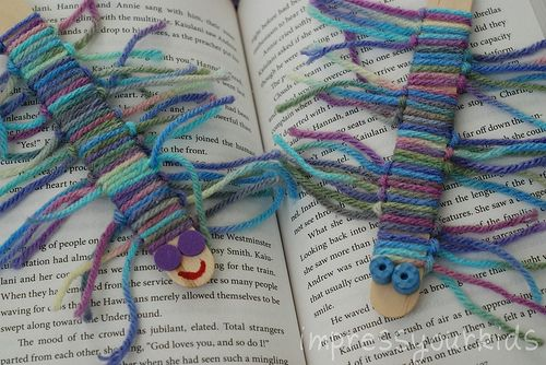 Craft Sticks & Yarn: Book Worms