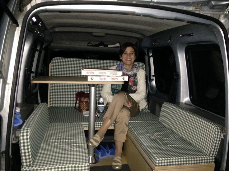 pizza in kampgoo kangoo camper pinterest pinwand. Black Bedroom Furniture Sets. Home Design Ideas