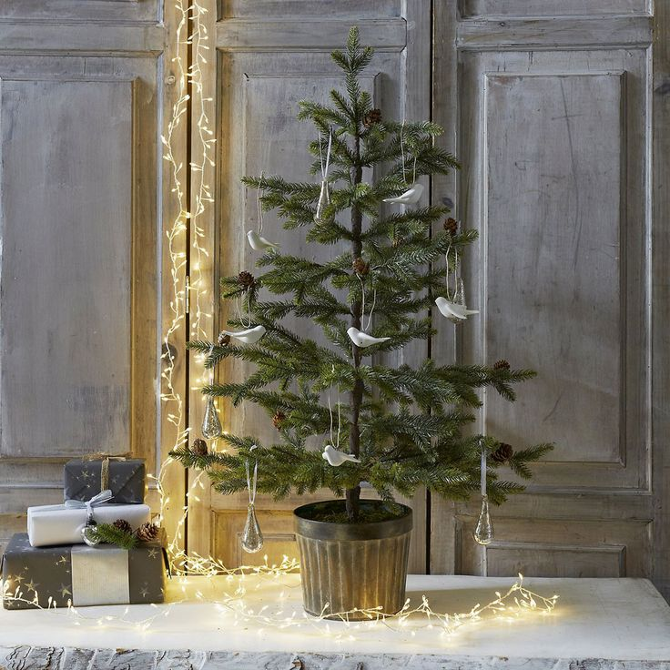 Best-artificial-Christmas-tree-The-White-Company