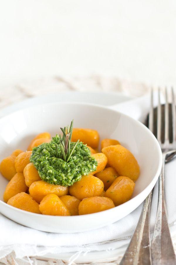 Gnocchi di patate dolci con pesto di rucola