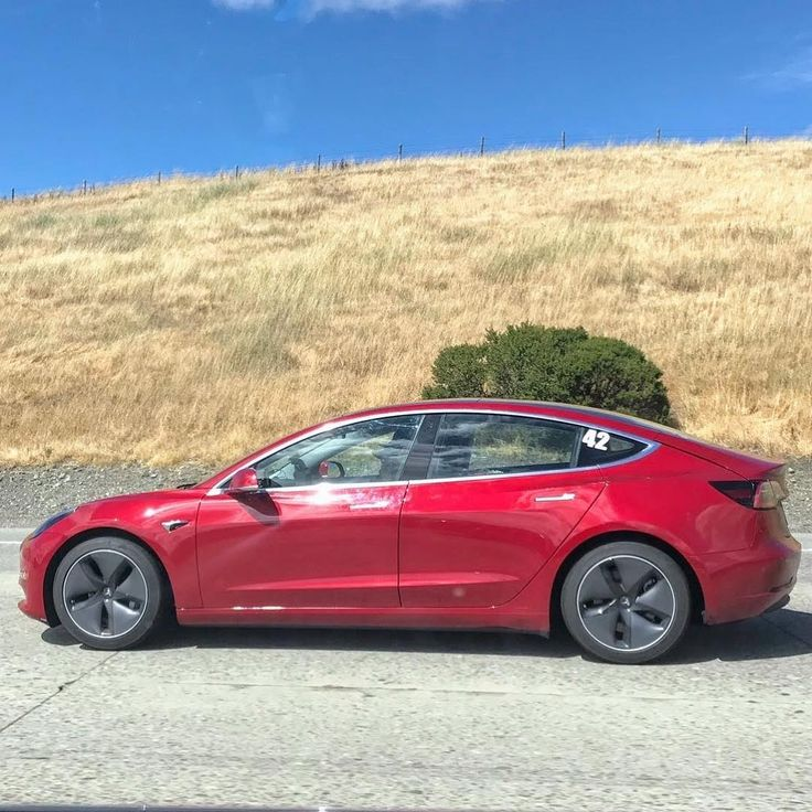 Bright Green Tesla Model S Spotted With Elon Musk: 262 Best Tesla Model 3 Images On Pinterest
