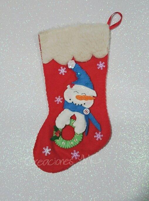 Sorprende a todos con tu bota navideña personalozada.  Realizada en #fieltro