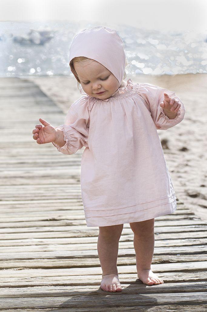 Conjunto de vestido y capota rosa
