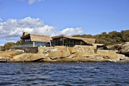 The 'Summer House' is designed by Jarmund / Vigsnæs AS Architects and is located in Norway.