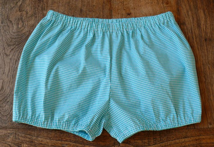Yoga Shorts-Turquoise and white checked-cotton with a little elasthan-Bloomers-Beach Shorts by NinesYogaShorts on Etsy