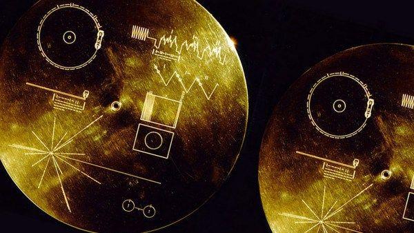 El disco de oro de las Voyager regresa a la tierra por su 40º aniversario
