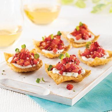 Bouchées croustillantes au tartare de saumon, fraises et fromage de chèvre - Recettes - Cuisine et nutrition - Pratico Pratique