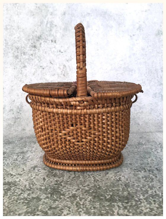 Dolls House Wicker Picnic Hamper Woven Basket With Lid Miniature Accessory Dollhouse Miniatures