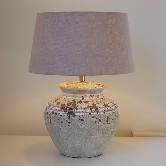 Tafellamp Sukaria - Keramieke voet en stoffen lampenkap - Bij Usi Maison vindt u de mooiste lampen voor de beste prijs en gratis levering!