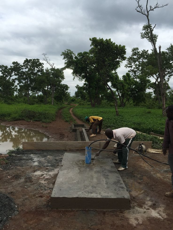A new borehole platform is being built in the village of Jablajo.