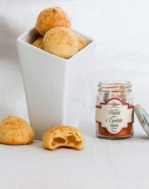 Gougères au parmesan et piment d'Espelette// Parmesan and Espelette pepper gougère