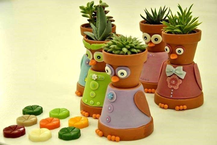 Gufaldi, ogni singolo Gufaldo è realizzato con due vasetti in terra cotta e decorato in pasta di mais.