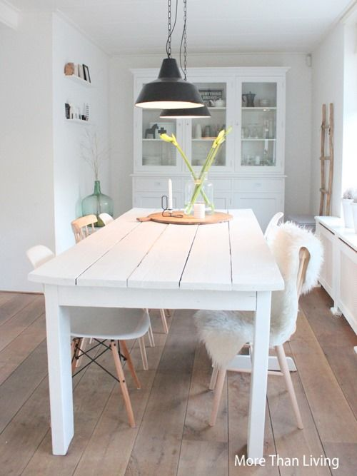 More Than Living: Verandering in onze eethoek:i like the white rustic table a lot!! i hope my boyfriend will make smth like this!;)