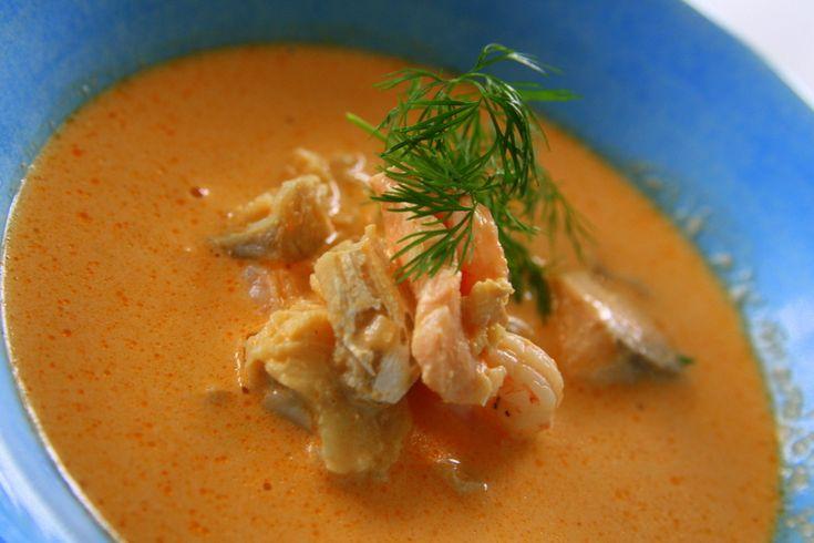 Soppa med lax torsk och skaldjur