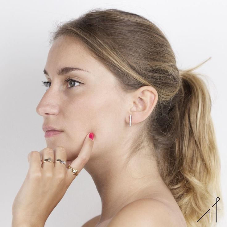 A great week starts with empowering accessories! And Afew Jewels knows exactly which ones you need: Uppsala Earring and Legoo Rings!  #afewjewels #model #jewelry #monday #mondaymorning #blonde #power #womanpower #amazing #photooftheday #picoftheday #incredible #nail #eyes #ring #legooring #uppsala #uppsalaearring #accessory #fashion #style #instafashion #fashionist #you #beautiful #inspiration #great