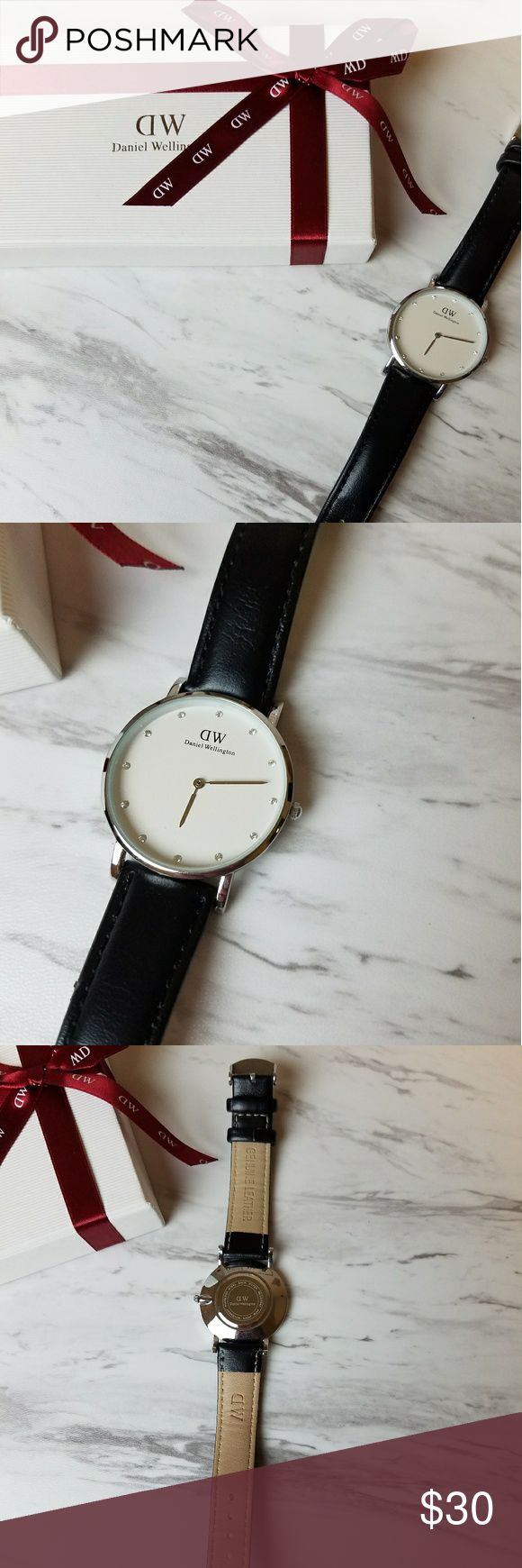 Daniel Wellington watch Gorgeous watch! Please note the battery is dead and can be swapped out at most jewellers for around 10.00 Accessories Watches