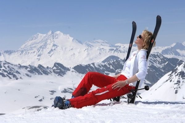 Hitting the #skislopes? Stop your retinol for at least 2 weeks beforehand and use SPF all over, including the lips!