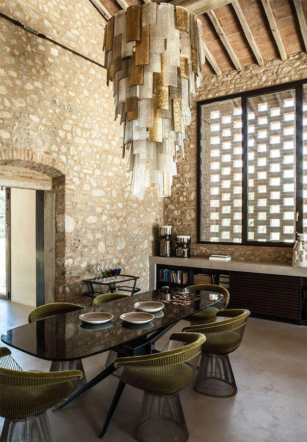 A 1400s Tuscan farmhouse gets a modern makeover | desiretoinspire.net | Bloglovin'