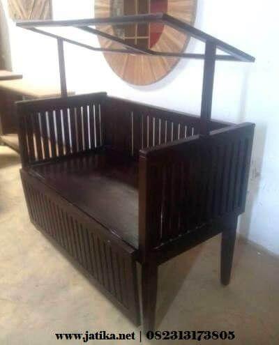tempat-tidur-bayi-jati-atap-minimalis-2