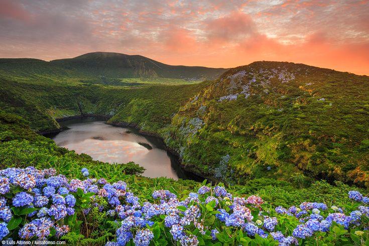 Ilha das Flores: a beleza verde do ponto mais ocidental da Europa - via Green…