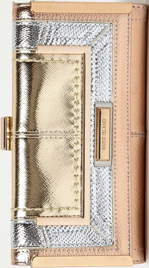 •Website: http://www.cuteandstylishbags.com/portfolio/river-island-rose-gold-tone-metallic-panel-clip-top-purse/ •Item: River Island Rose Gold Tone Metallic Panel Clip Top Purse
