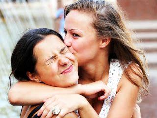 Jak poznać czy żona zdradza. Zdrada kobiety: Żona woli koleżanki?