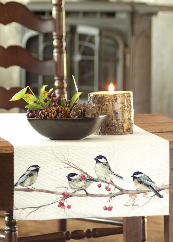 Cheerful little birds on a table runner will spruce up your tables this Christmas. #birds #holiday #decor #table #linens