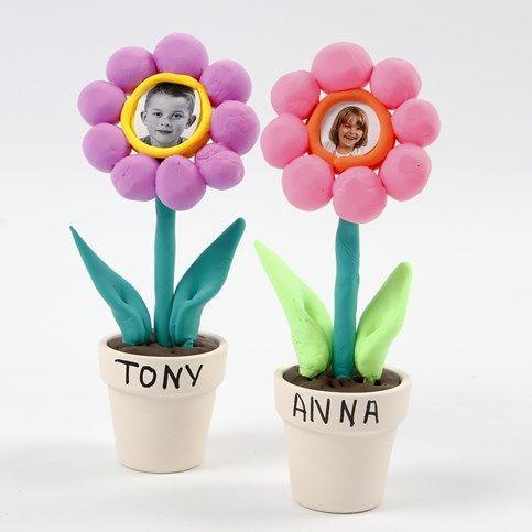 13668 Foto's van kinderen op bloemen van Silk Clay