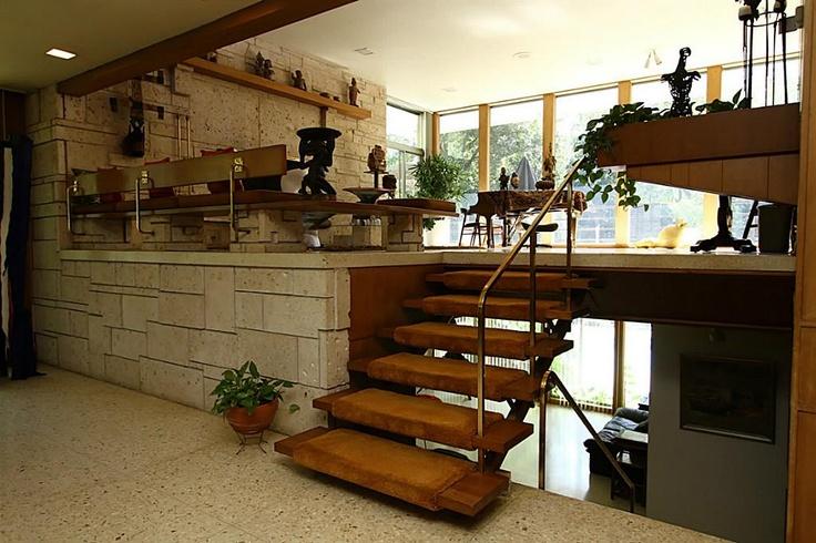 Split level mid century modern pinterest for Mid century modern architects houston