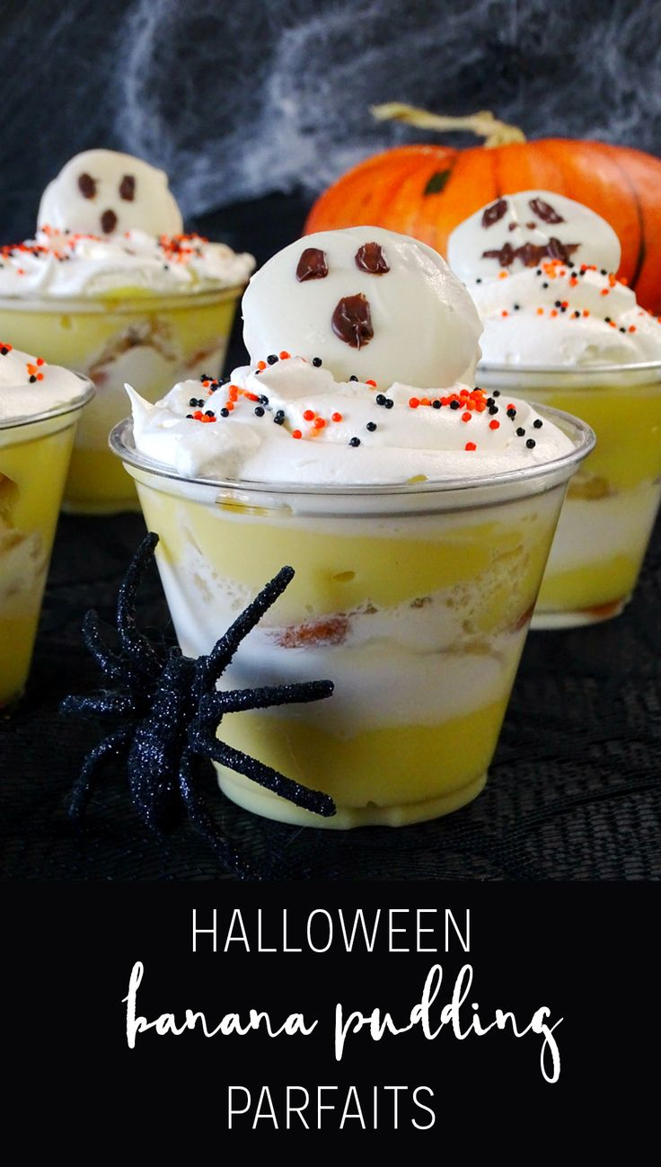 Need a fun dessert that's kid and adult approved? You've got to try these Halloween Banana Pudding Parfaits! So good and so simple! #HalloweenDessert #Halloween #HalloweenParty | Halloween Party | Halloween Dessert