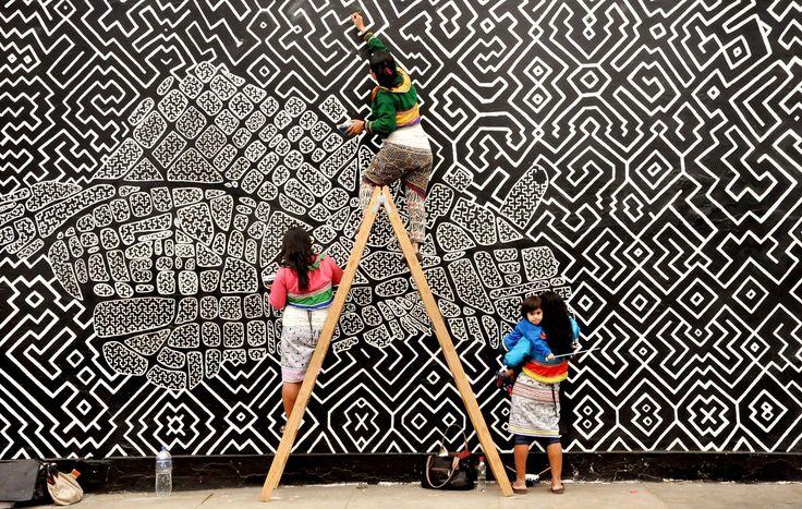 Mural CORAZÓN DE CARACHAMA, elaborado por mujeres de la Comunidad Shipiba de Cantagallo Con Mujeres Incahuasinas  - Alejandra Ballón, Silvia Ricopa, Wilma Maynas, Olinda Silvano. -  Barranco, Lima, Perú.