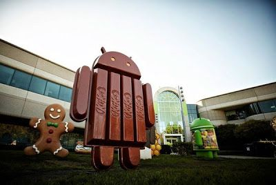 On Android 4.4 the Google Experience Launcher could be outsourced in the Google Play Store, another path to Android defragmentation