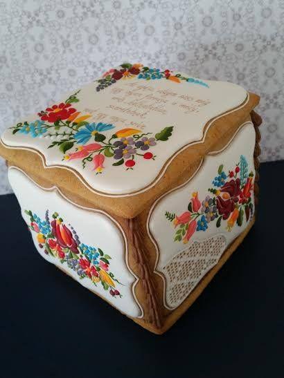 Mézeskalács doboz 73. születésnapra. Gingerbread cookie box for 73.th birthday.