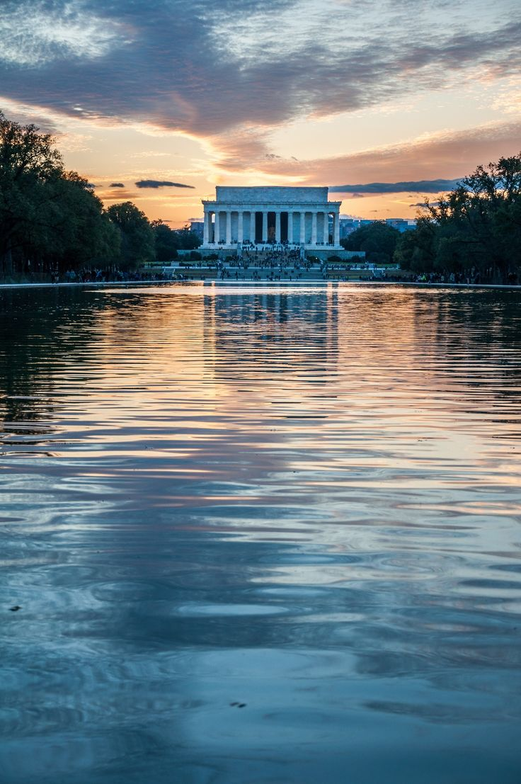 In a city of icons, the Lincoln Memorial is truly a highlight. A must-see on your trip to Washington DC!