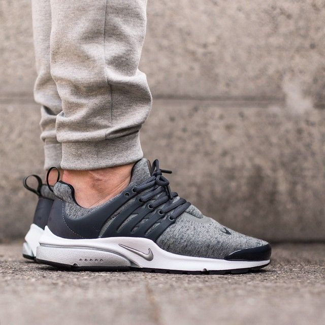 Nike Air Presto Fleece Pack: Tumbled Grey/Black