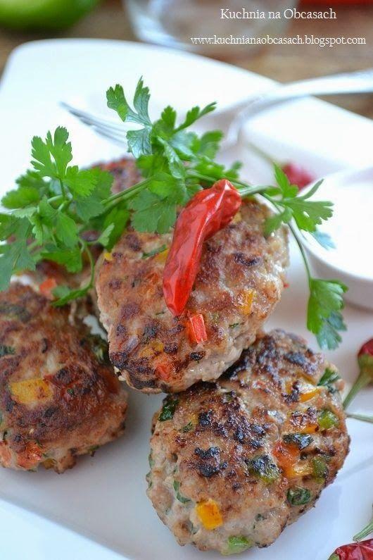 kuchnia na obcasach: Kotlety mielone z kolorową papryką