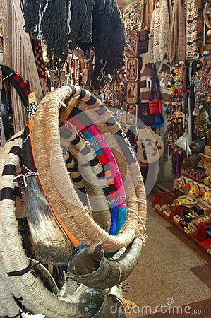 Instrumento musical de Trutruca, usado por el Mapuche, para la venta en el mercado del temuco. Región de Araucania.Chile.