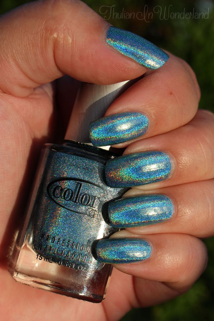 Thulian In Wonderland: Color Club Over The Moon