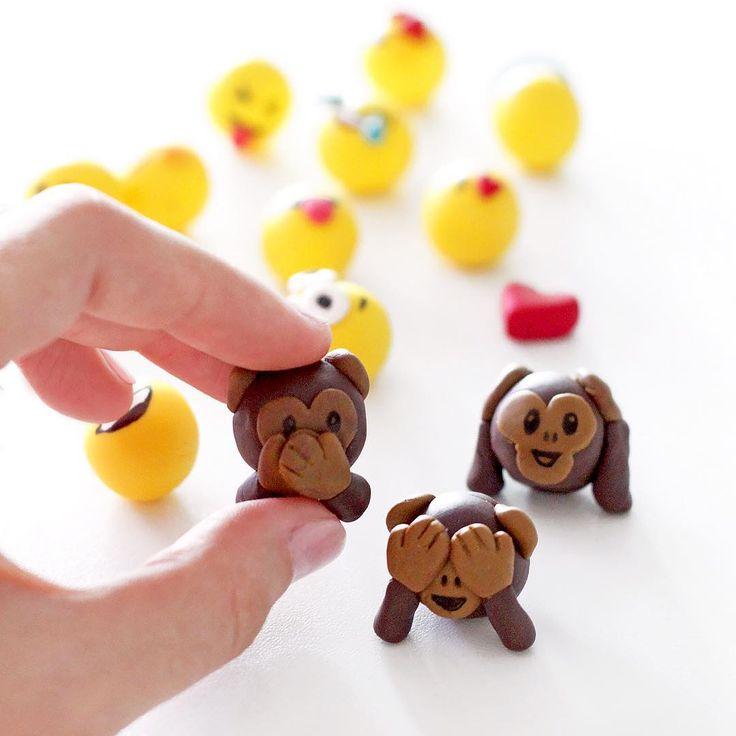 Und hier noch die Affenbande aus Fimo:  schönen Aaaaabend euch  #instadesign #apes #emoticon #smileys #emojis #fimo #handmade #kids #crafting #decoration