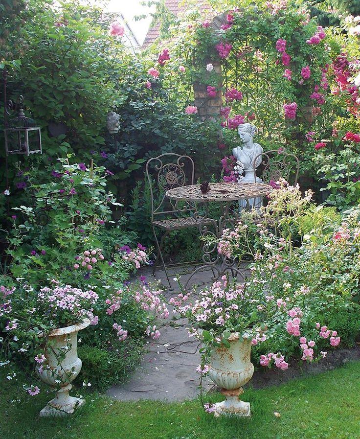 Pin by Sawli Hassan on Ландшафтный дизайн   Dream garden ... on Small Garden Sitting Area Ideas  id=58259