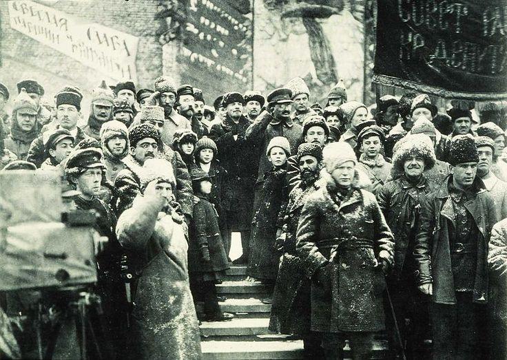 Soviet leaders Red Square Moscow 1919 Fotografia original (sem adulteração) da Celebração do segundo aniversário da Revolução de Outubro na URSS.  7 de Novembro 1919