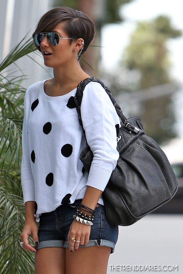 Frankie Sandford out in Los Angeles, California - September 29, 2012 - Haircut